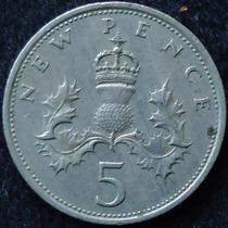 Inglaterra , 5 New Pence Año 1968................. Blamanan