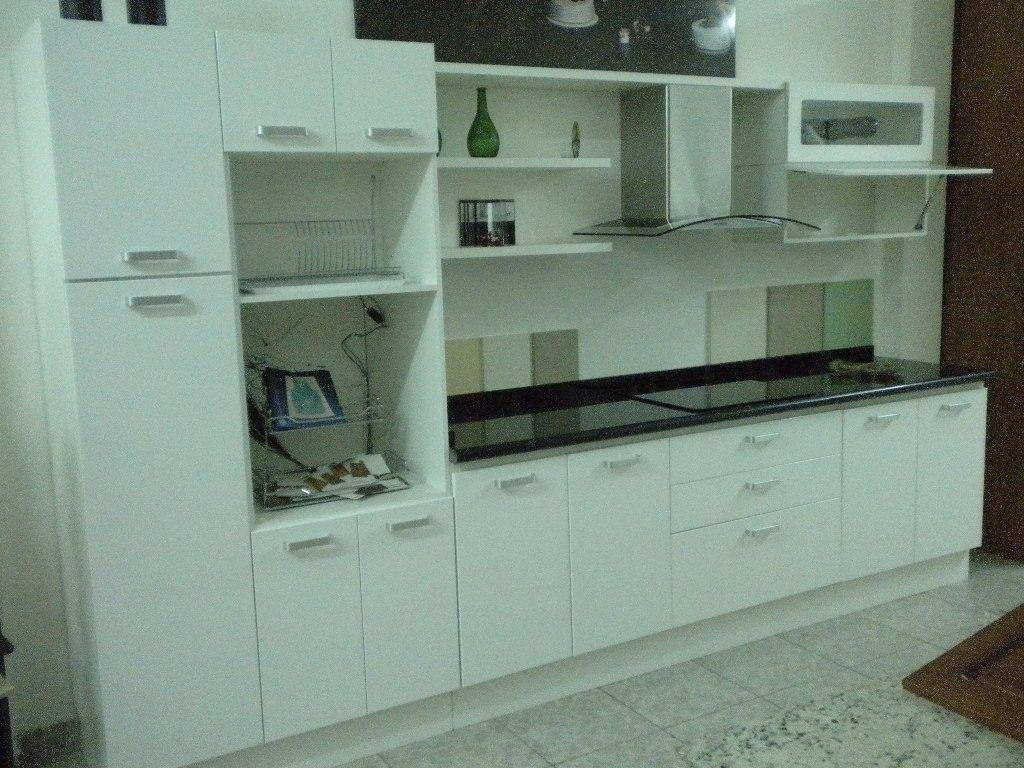 Mueble cocina modelo paris laqueado blanco amoblamientos - Muebles cocina blanco ...