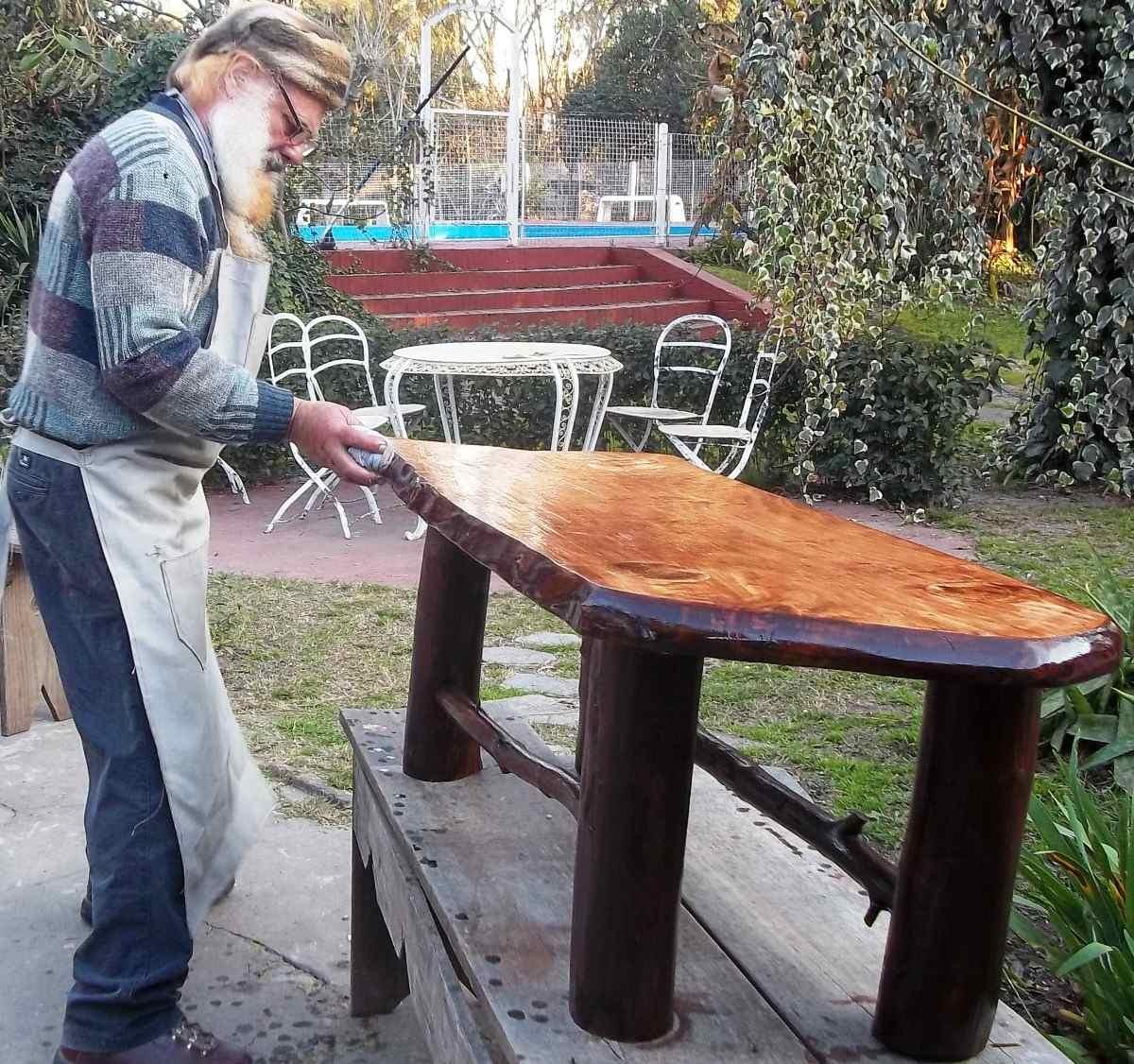 Una carcajada de blog el baile gracioso for Muebles artesanales