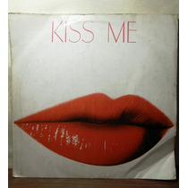 Impecable Disco Kiss Me