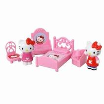 Hello Kitty Ambientes Son Muebles - 2 Muñecas Con Accesorios