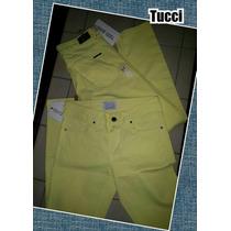 Pantalón Gabardina Color Amarillo.