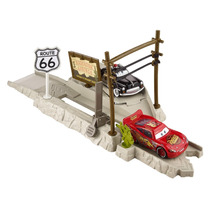 Cars Highway Hideout Play & Race Launcher Lanzador