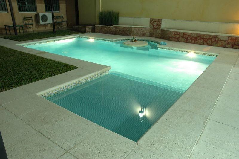 Piletas de nataci n piscinas natatorios construcci n for Piletas disenos