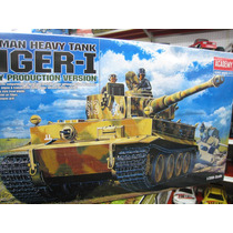 Tanque Tiger German Academy Escala 1/35