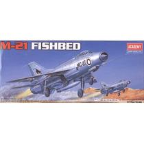 Mig-21 Fishbed Esc 1/72 Academy Maqueta