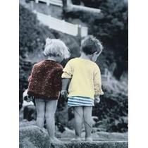 Poster De Una Hermosa Pareja De Niños - 66 X 47 Cm
