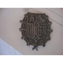 Antiguo Prendedor De Bronce Escudo Europeo