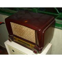 Antigua Reluciente Radio Funcionando Tipo Catalin (---)