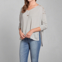 Abercrombie & Fitch Aiinsley Snit Remera De Mujer