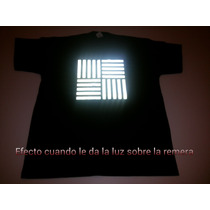 Remera C/estampa En Reflectivo - Cuello Redondo, Color Negra