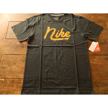Remera Nike Neon Tee Regular Fit
