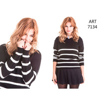 Sweater Cuello Bote Con Rayas Finitas - Danilan