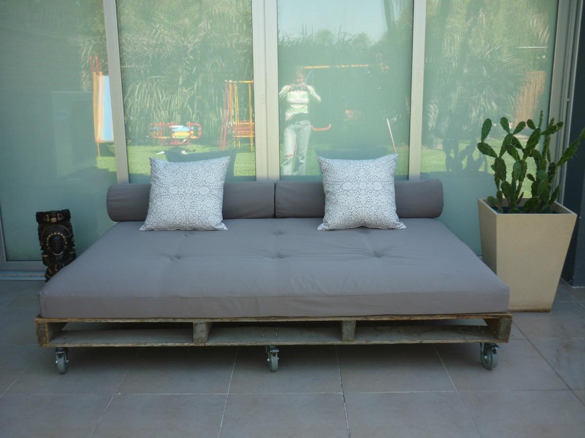 Sillones de palets de madera elegant el descanso diario for Sillones fabricados con palets