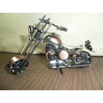 Moto De Metal Tipo Chopera Artesanal 16 Cm. X 9 Cm. Nueva