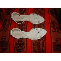 Sandalias Blancas Taco Bajo Con Hebilla De Cuero
