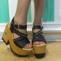 Zapatos Con Tachas Simil Cuero Altos