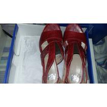 Sandalias Color Rojo Con Tachas Taco Alto