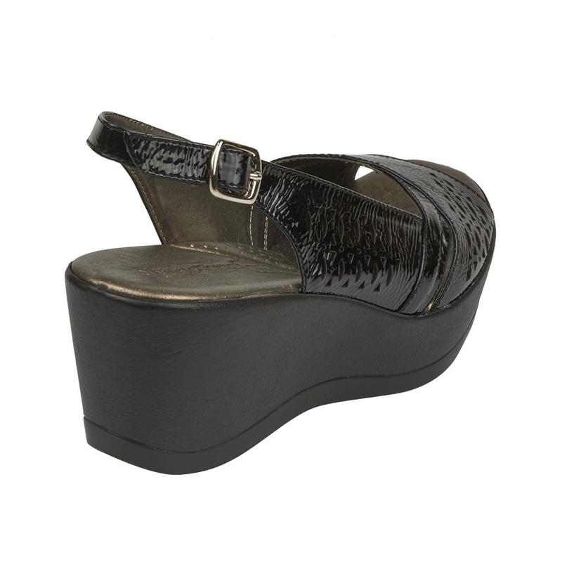 Sandalia plataforma negra 016601