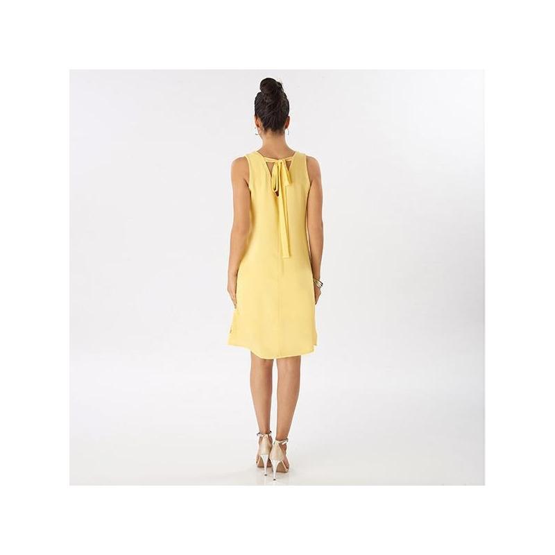 Vestido corto amarillo con perforaciones  015423
