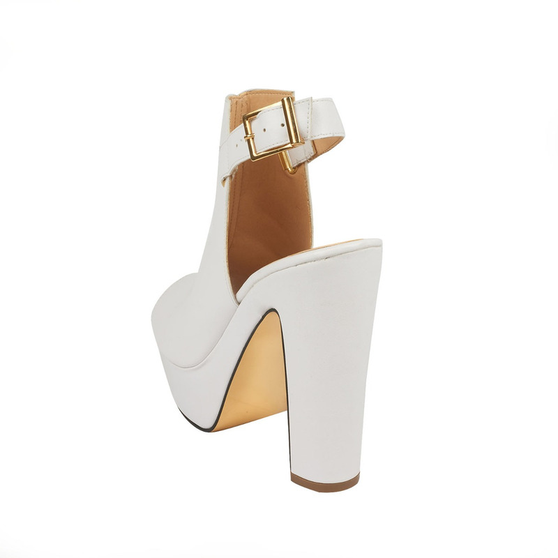 Sandalia tacón blanca con pulseras 016419