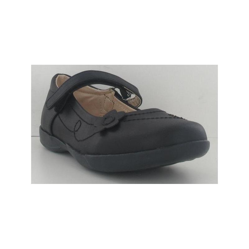 Sneakers niña negros con flor 013694