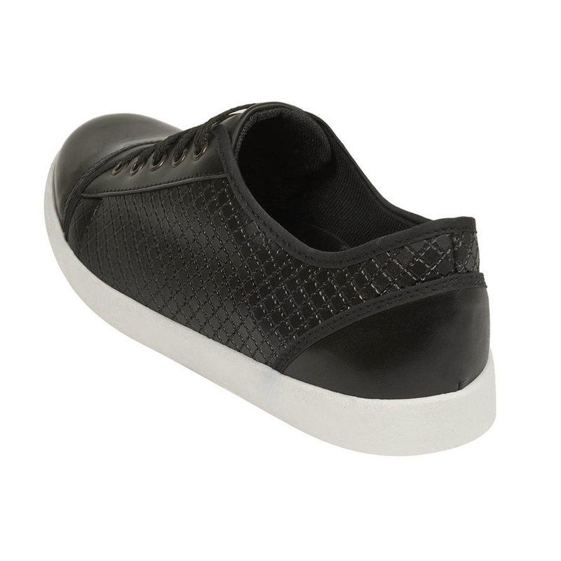 Sneakers negros punta charol  018808