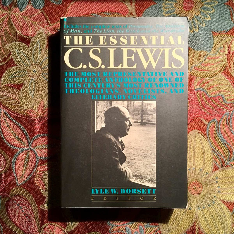 THE ESSENTIAL C.S. LEWIS.