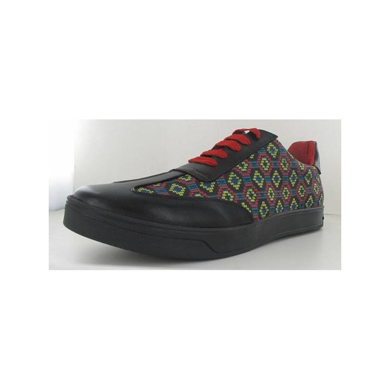 Sneakers multicolor con punta negra 011783