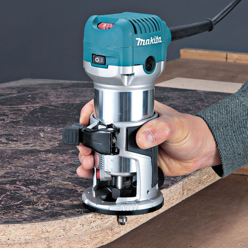 Tupia com Bases 6 mm 710W - RT0700CX2 - Makita