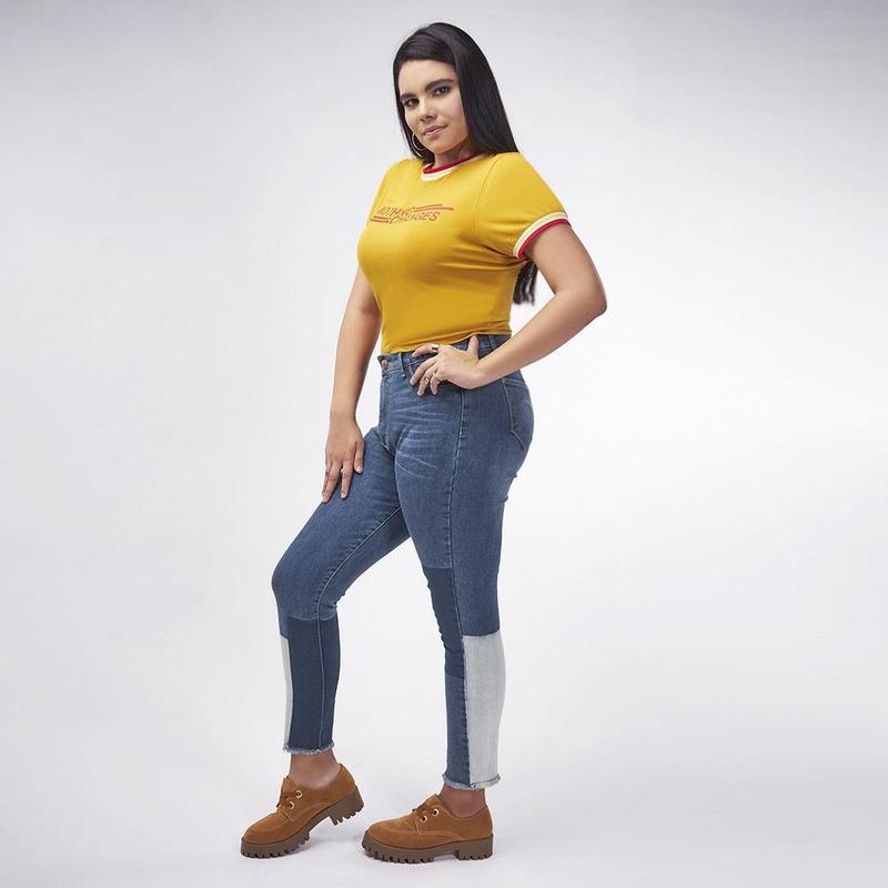 Blusa Amarilla Con Detalle Rojo 019352