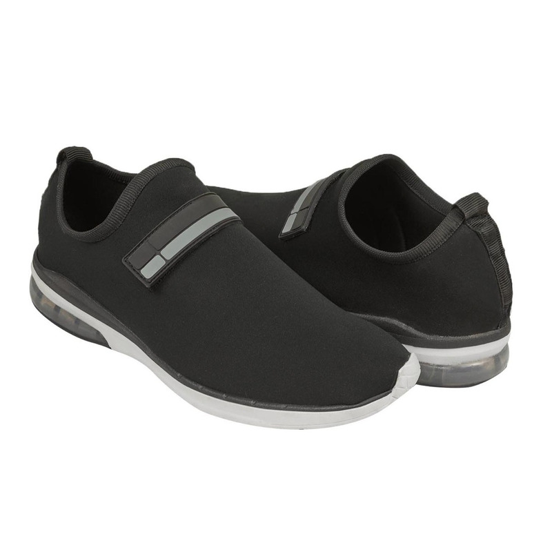 Sneakers negros 018836