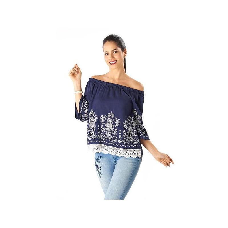 Blusa azul bordada hombro caído 014423