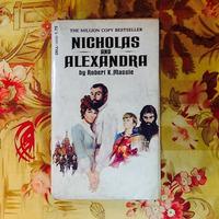 Robert K. Massie.  NICHOLAS & ALEXANDRA.