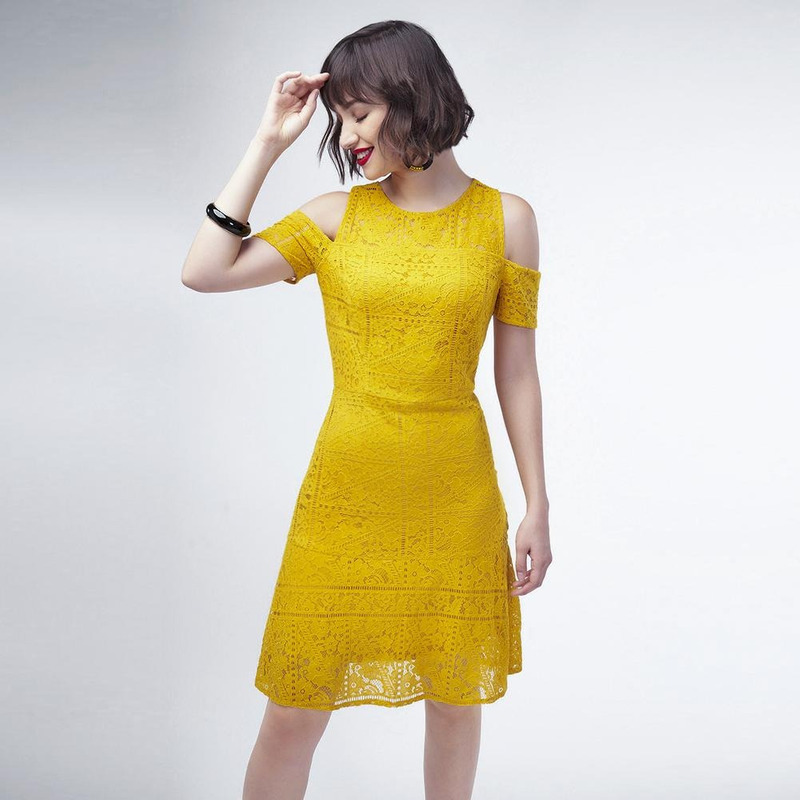 Vestido Amarillo Con Hombro Descubierto 017352