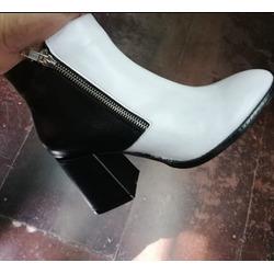 Bota 7811 Blanco y Negro