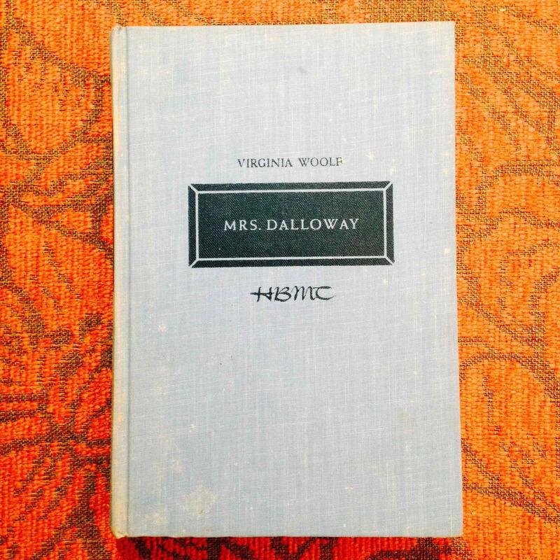Virginia Woolf.  MRS. DALLOWAY.