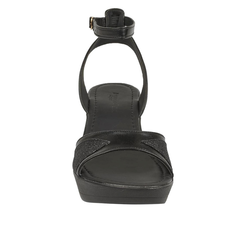 Sandalia plataforma negra con pulsera  016652