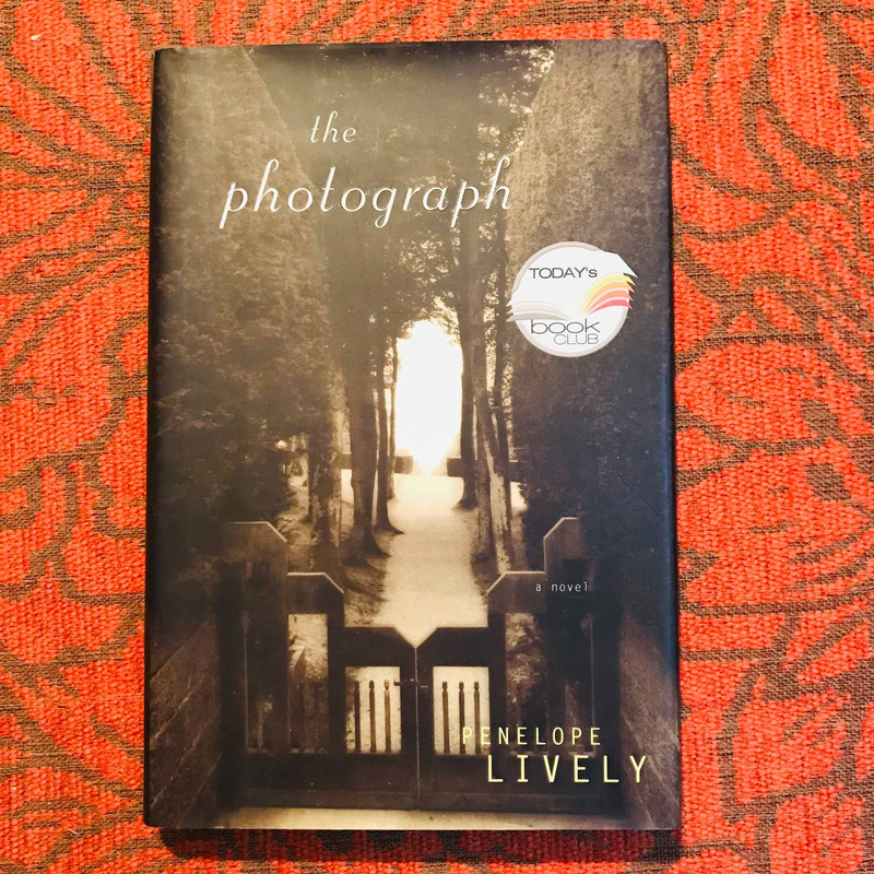 Penelope Lively.  THE PHOTOGRAPH.