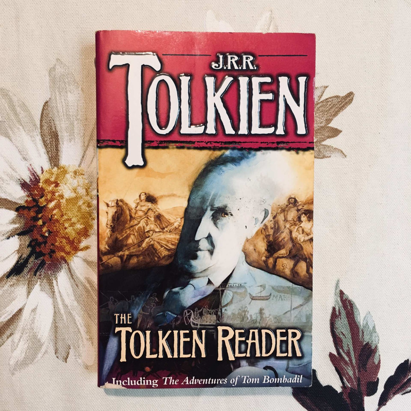J.R.R. Tolkien. THE TOLKIEN READER.