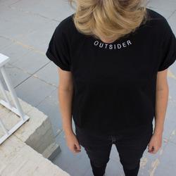 Remera Outsider