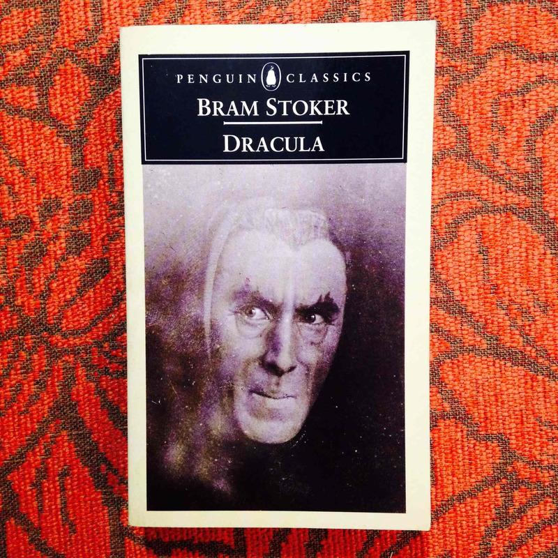 Bram Stoker.  DRACULA.
