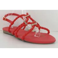 Sandalia piso roja con broches 012945