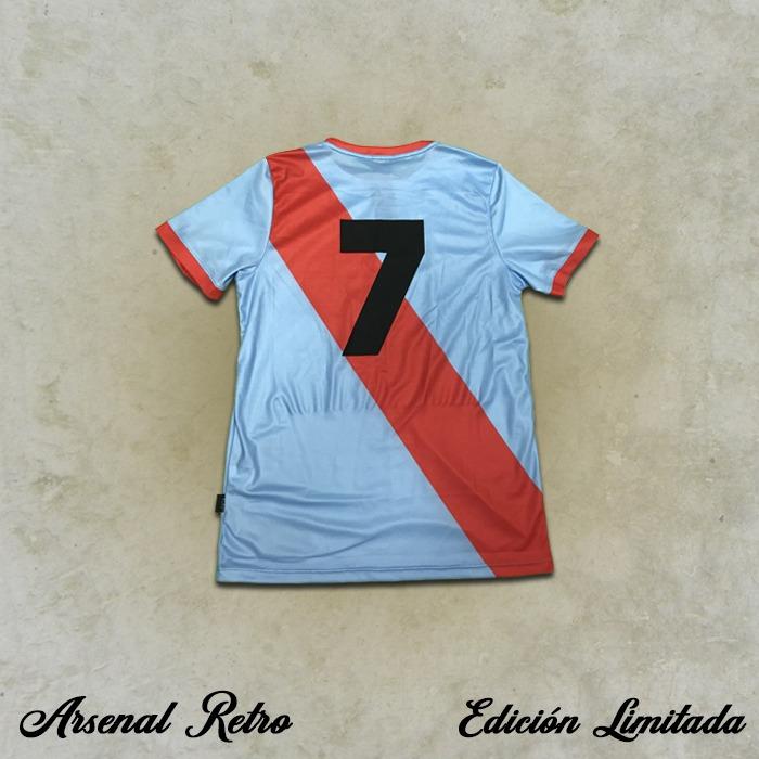 Camiseta Retro - Salvador Somma