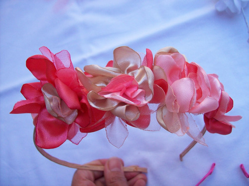 Vincha Con Flores De Tela Hechas A Mano Y Forradas